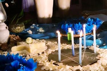 Ponto Riscado aos pés do altar. Foto: Thaís Helena Queiroz